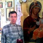 Мое фото около иконы на мой блог